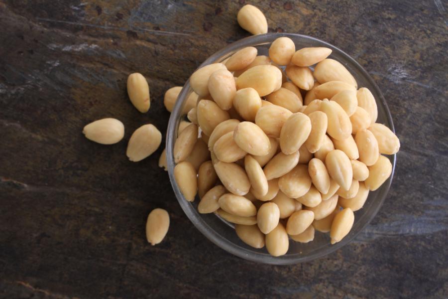 almonds2